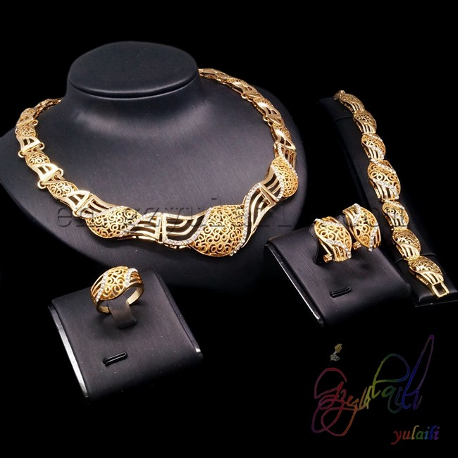 Hot Sale Free Shipping Rhinestone Jewelry Set Jewelry Set In Latest