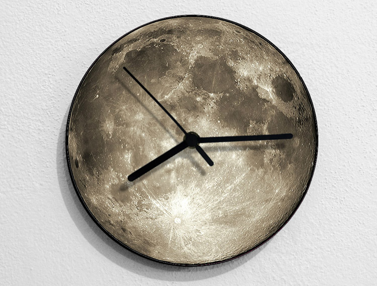 The Moon Led Clock Color Changing 3D Novelty Moon Light Led Clock Nightlight Action Figure Decoration For Christmas Gift moon flac jeans