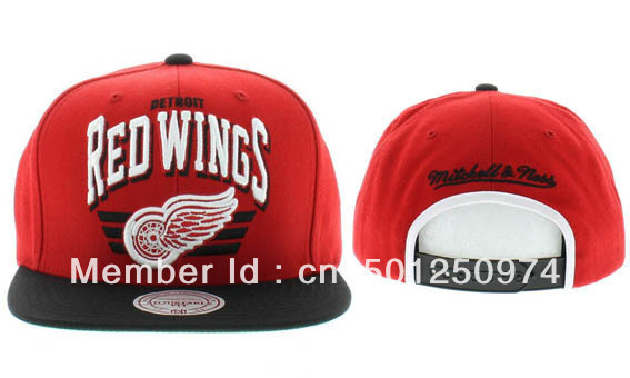 66b84a6dffc2f Major League Baseball Caps-in Baseball Caps from Men s Clothing ...