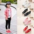 Moda primavera Crianças sapatilhas sapatos de Desporto preto branco vermelho cor rosa meninas deslizamento ocasional em sapatos de couro 22-36 tamanho