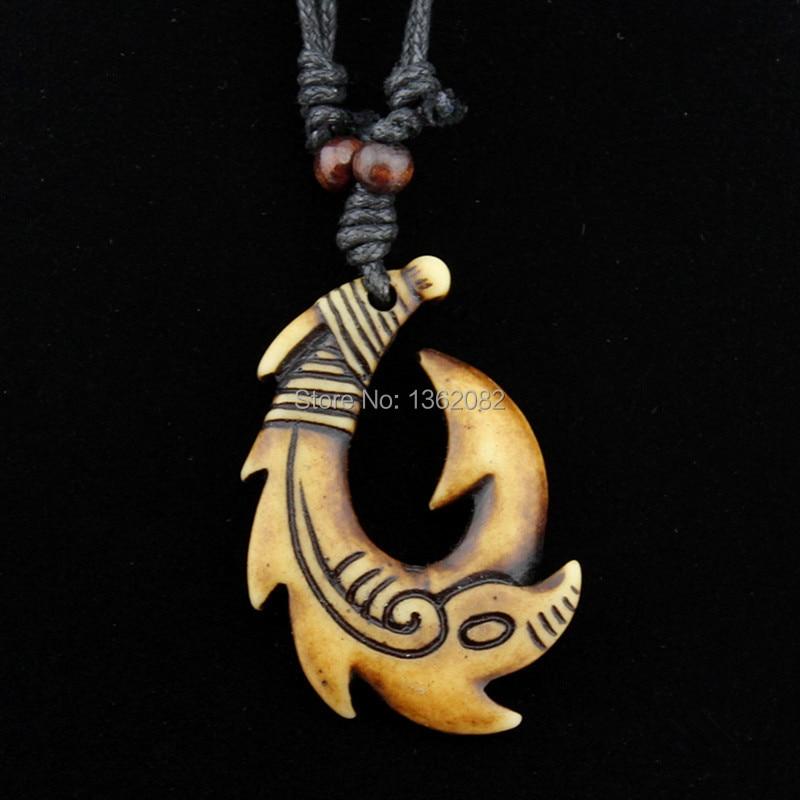 9491ba85dc76f Αγορά Κολιέ & Κρεμαστά   Wholesale lot 15pcs Mixed Hawaiian Jewelry  Imitation Bone Carved NZ Maori Fish Hook Pendant Necklace Choker Amulet  Gift MN542