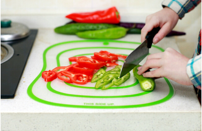 4pcs lot Flexible Kitchen Plastic Chopping Block Cutting Board Breadboard Non slip Frosted Antibacteria Cutting Block EKB 1351 in Chopping Blocks from Home Garden