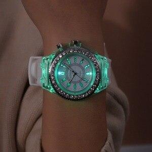 Прямая поставка, светящиеся часы со светодиодной подсветкой для мужчин и женщин, кварцевые часы с силиконовым ремешком, спортивные наручны...