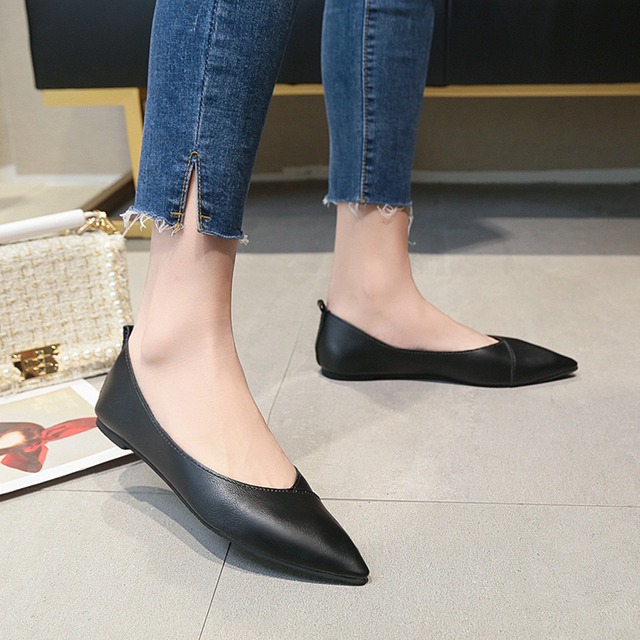 2019 Spring black soft leather shoes women larger sizes 40 ballet flats pointed toe shallow mouth slip-on ladies loafer n600