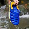 Sandalias Zapatos Ultra-ligero de secado Rápido de la Playa de Agua Aqua Río Caminar Verano Hombres Ocasionales Respirables Flotillas Zapatos Al Aire Libre masculino