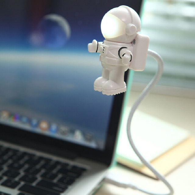 Astronaut Spaceman USB Led nachtlampje Verstelbare Flexibele Boek ...
