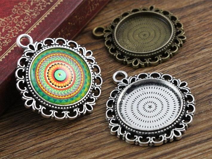 10 Stücke 20mm Innenmaß Antique Silber Und Bronze Farben Muster Stil Cabochon Einstellung Charms Anhänger