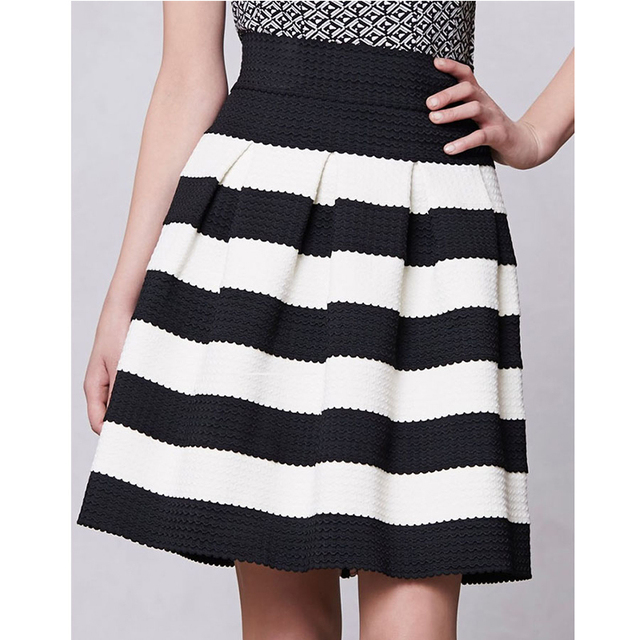 zwart wit gestreepte rok