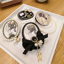 цена на Antique Cute Pendant Personality Female Bow Lace Letter 5 Brooch Clothes Pin Antique Tassel cc Brooches Hat Pin Wholesale