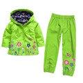 Розничные 2-5yrs 2016 новый хлопок весна детская одежда 2 шт. водонепроницаемый плащ и брюки одежда для девочек костюмы
