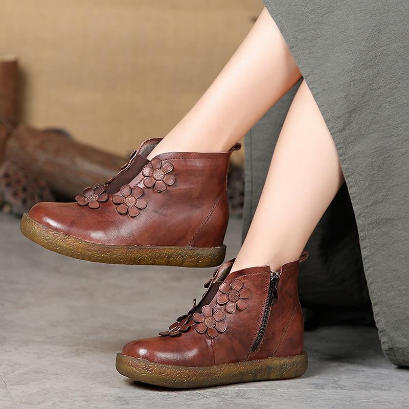 цена 2018 autumn / winter boots leather short boots women floret retro handmade comfortable low-barrel flat-bottomed women's shoes в интернет-магазинах