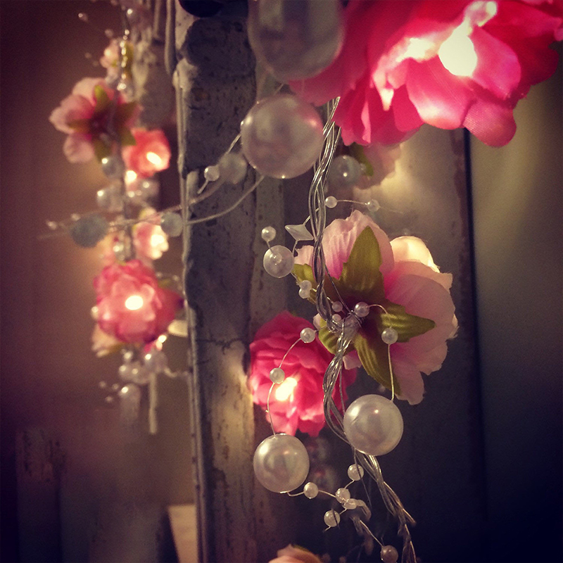 LED Rose Flower With Decoration Bead Luces Fairy String Lights Garland Party Wedding Christmas Fairy Decor 2M 20LEDs Happy Event