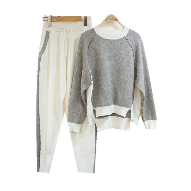 Real Sale Wool Women Knitted Two Sets Of Mink Velvet Fashion Fight Color Round Neck Sweater + Pants Autumn And Winter Of
