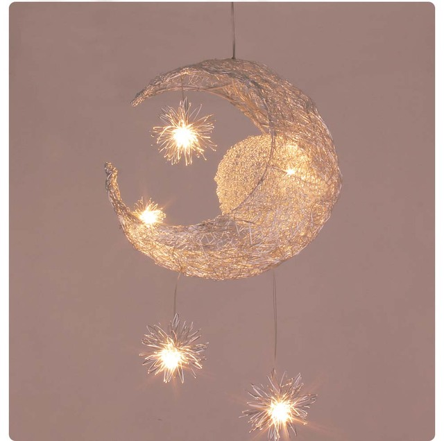 US $53.0  Kinderzimmer Beleuchtung Moderne Mode Mond & Stern Anhänger  Lichter Kind Schlafzimmer Lampen Aluminium Chander für Wohnzimmer Hause ...