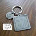 Calendário personalizado Chaveiro, Assinatura chaveiro calendário Calendário Mão Carimbada, data de destaque com o coração, Venda do Dia dos pais