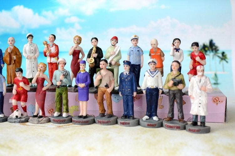 Psychological sand sandbox game with Sandplay resin figures chased criminals call the doctor monks nanny  28pcs/set the game the game doctor s advocate