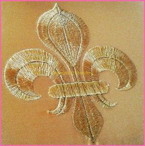 Image 5 - YACKALASI 20 części/partia złoty kwiat aplikacja Lotus haftowane naprasowanki Fleur De Lis 10 8.5cm