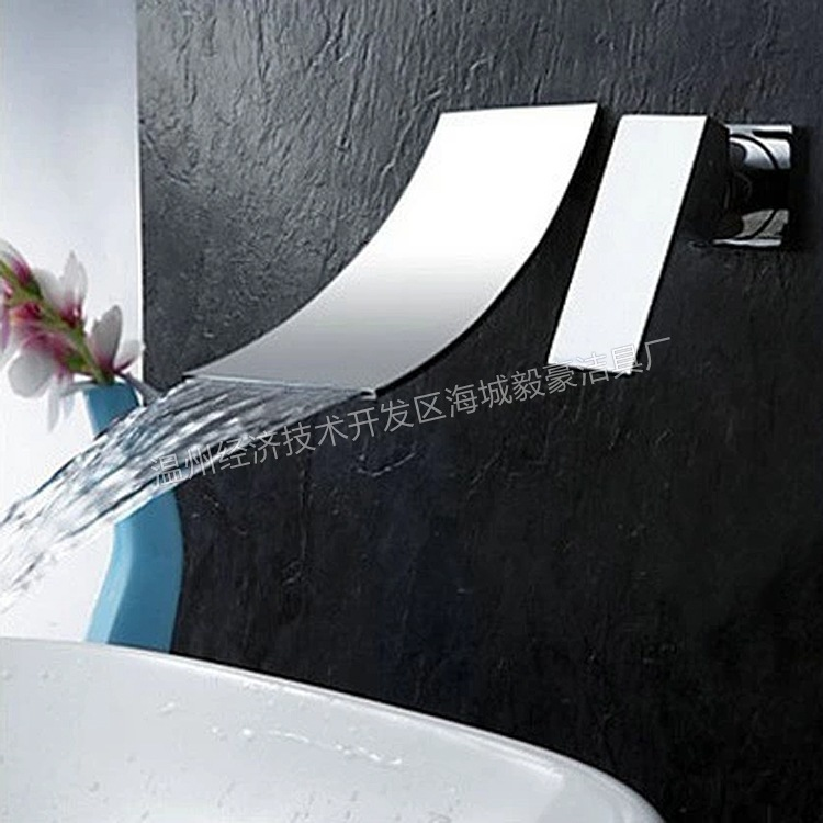 2016 Water Tap Robinet Salle De Bain European Single Hot And Cold Water Falls Into The Wall Concealed Copper Basin Faucet Body wall of the cold and hot water tap copper concealed washbasin single hole basin faucet stainless steel waterfall faucet lt 304 4