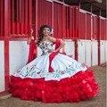 Venda quente Branco E Vermelho Em Camadas Drapeado Bordados Quinceanera Vestido 2017 Novo Organza Querida Vestido de Baile Doce 15 Dresses