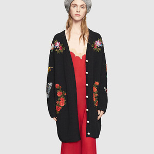 Image 2 - מסלול נשים רקמת טייגר מעיל נשים שחור ארוך סוודר סוודרים 2020 חורף בציר Jumper מעיל חג המולד