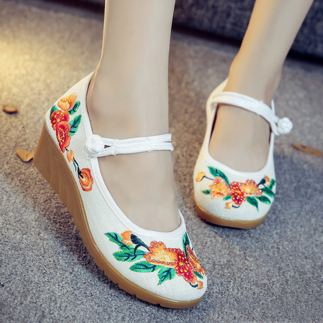 Chinese Women s Pumps Floral Embroidered Canvas Wedges Med Heel Low Top  Mary Jane Vintage Casual Comfort Cotton Shoes for Ladies 00cd174c1045