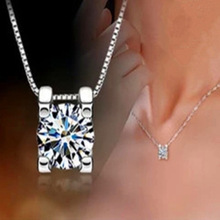 Stylish Silver Round Crystal Pendant Necklace For Women Fashion Jewelry Short Collarbone Chain Set With Zircon Ladies Necklace stylish rhinestoned fake crystal oval necklace for women