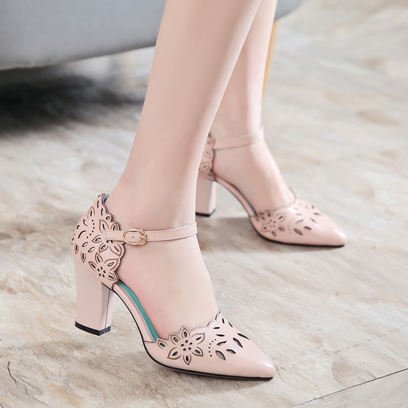 ФОТО New spring summer hollow out carved thick chunky high heels pointed pumps closed toe buckle PU sandals women retro sweet shoes