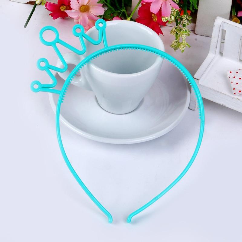 Пластиковая Корона повязка для волос Разноцветные заколки для волос для девочек детские диадемы повязка на голову вечерние ювелирные изделия аксессуары 12 шт./лот - Цвет: blue