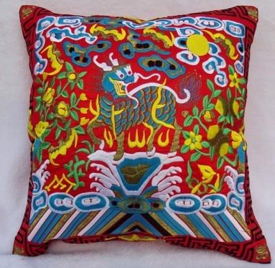Полная вышивка Кирин чехлы для диванов китайские декоративные подушки высокого класса винтажные этнические рождественские наволочки 45x45 - Цвет: Красный