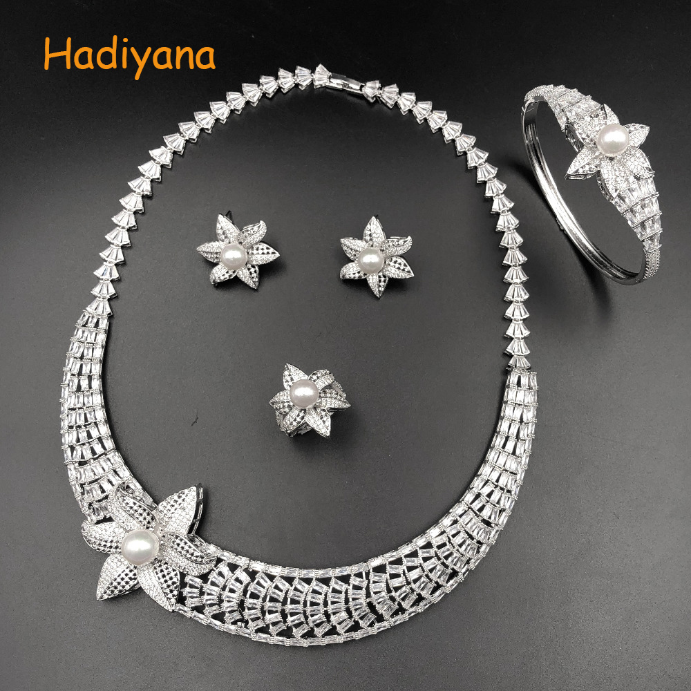 Hadiyana Luxury Bridal Jewelry Sets For Women Elegent Mirco Cubic Zircon Paved By Hand , 4pcs Wedding Sets Flower Shape 1521wHadiyana Luxury Bridal Jewelry Sets For Women Elegent Mirco Cubic Zircon Paved By Hand , 4pcs Wedding Sets Flower Shape 1521w