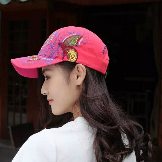 1 шт. 2017New модные с вышивкой в виде бабочек и летняя кепка-бейсболка Стиль женский рюкзак шляпу 7 цветов - Цвет: Красный