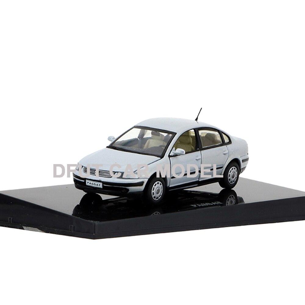 1//43 Volkswagen Passat LINGYU diecast model black color