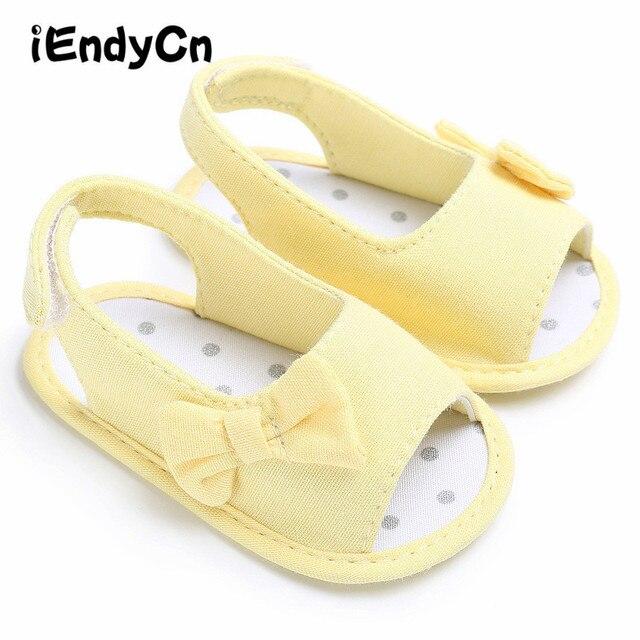 70485563fb9d4 Chaussures bébé printemps étape chaussures coton tissu bébé chaussures  nouveau-né pantoufle chaud bébé douche