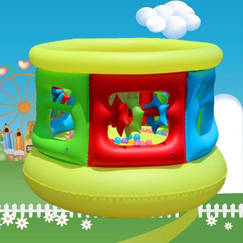 Nouveau style Mini divertissement domestique enfants Trampoline avec garde-corps et cadre de porte plus sûr taille: 152 cm * 102 cm charge 40 kg