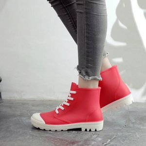 Image 1 - SWYIVY امرأة احذية المطر عالية كبار أحذية رياضية الخريف 2018 الإناث البلاستيكية موضة Rainboots حذاء كاجوال سيدة شقة Wellies احذية المطر 40