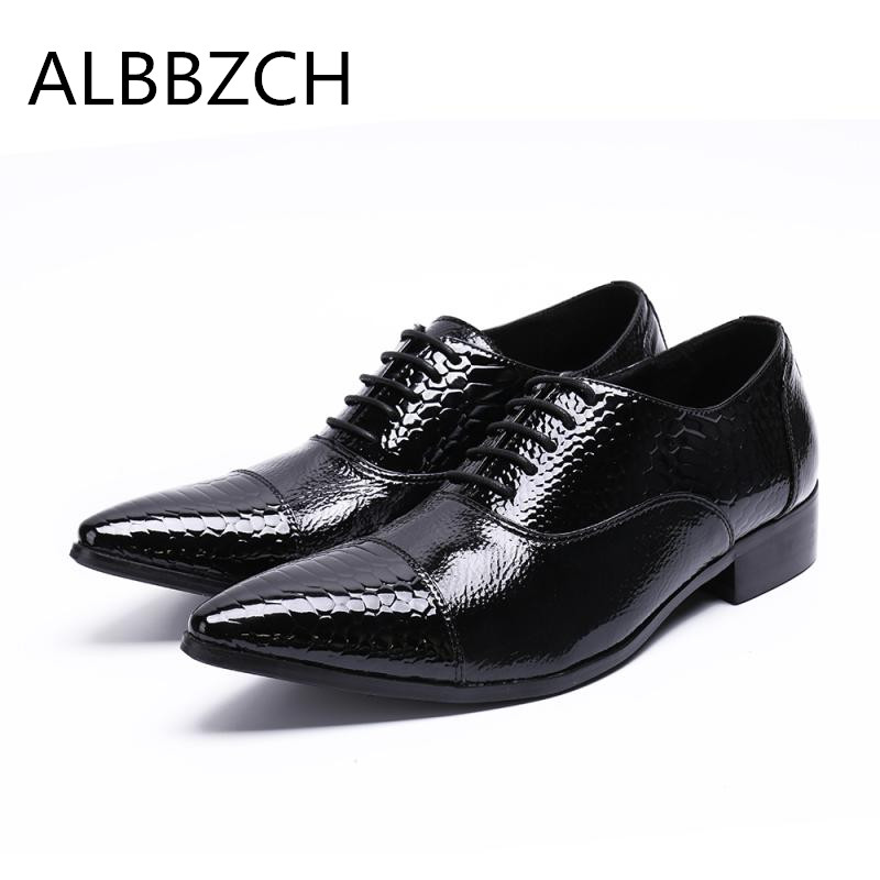 New brand designer embossed patent leather men shoes oxford fashion patchwork pointed toe lace up wedding dress shoes size 37 46New brand designer embossed patent leather men shoes oxford fashion patchwork pointed toe lace up wedding dress shoes size 37 46