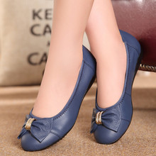 2017 New fashion women flat shoes Female Genuine Leather work shoes soft bottom comfortable Loafers Casual Driving shoes ML07
