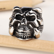 Dragon Claw Skull Ring