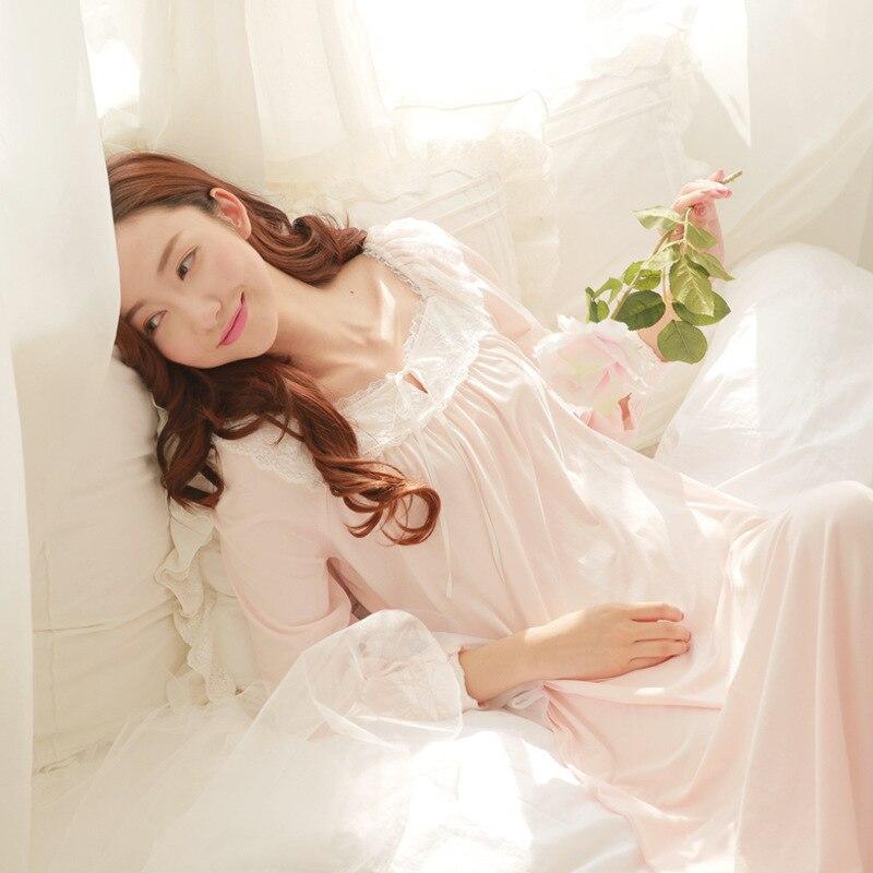 127accaf6 RenYvtil Pijamas de Algodão de Manga Longa Rendas Princesa Sleepwear  Camisola Sexy Camisola Longa Primavera Outono Pijamas Sleepshirt em  Nightgowns ...