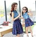 Conjunto familiar vestido de mezclilla moda ropa para la madre e hija de la familia ropa muchachas viste la ropa ( colores : azul marino / blanco ), CG15