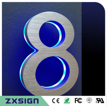 Factory Outlet con luz de fondo LED de acero Inoxidable Casa signo de número con base de acrílico para 20 cm de altura (8 pulgadas)