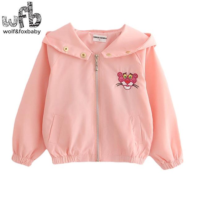 Venta al por menor 2-8 años abrigo de mangas Bordado Pantera Rosa A Prueba de Viento con capucha abrigo kids niños primavera otoño otoño