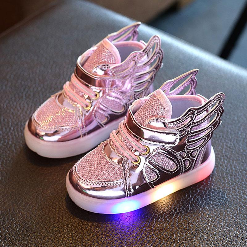 Mädchen Babyschuhe glühende Turnschuhe Kind Jungen Mädchen LED Schuhe Angel Wings Kids leuchten Schuhe Schuhe für Baby Prewalker Kleinkind