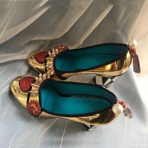Image 3 - Phoentin 골드 하이힐 여성 크리스탈 꽃 신발 프린지 리벳 2020 패션 appliques 숙녀 펌프 정품 가죽 FT621G