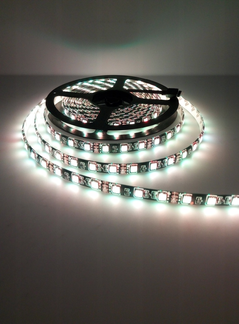 Tira de LED 5050 RGB PCB negro DC12V Luz LED flexible 60 LED / m5050 - Iluminación LED - foto 6