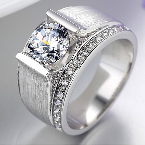 1 Carat Pure 585 Gold Round Brilliant Dependable Lovely Diamond