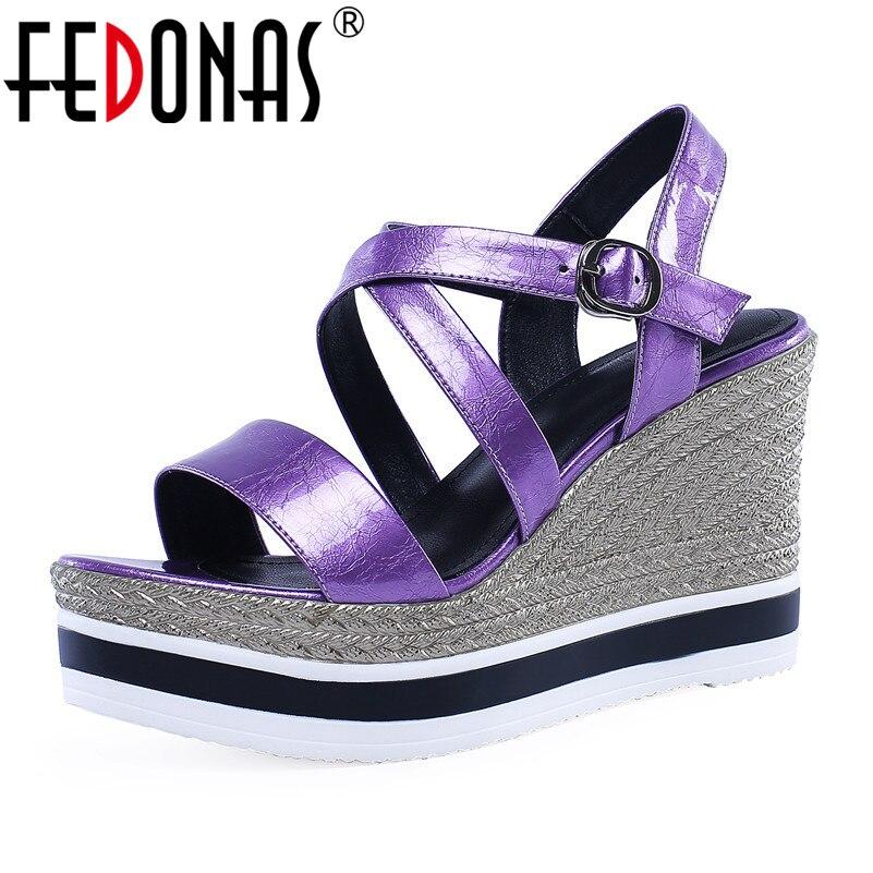 FEDONAS รองเท้าแตะแฟชั่นผู้หญิงสิทธิบัตรหนังแพลทฟอร์มพรหมปั๊มรองเท้าฤดูร้อนผู้หญิง Wedges รองเท้าส้นสูงโรม Basic รองเท้าแตะ-ใน รองเท้าส้นสูง จาก รองเท้า บน   1