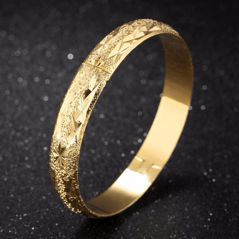 Overseas sales 11 mm wide opening closed loop design bracelet plating Wedding jewelry wholesale KH526
