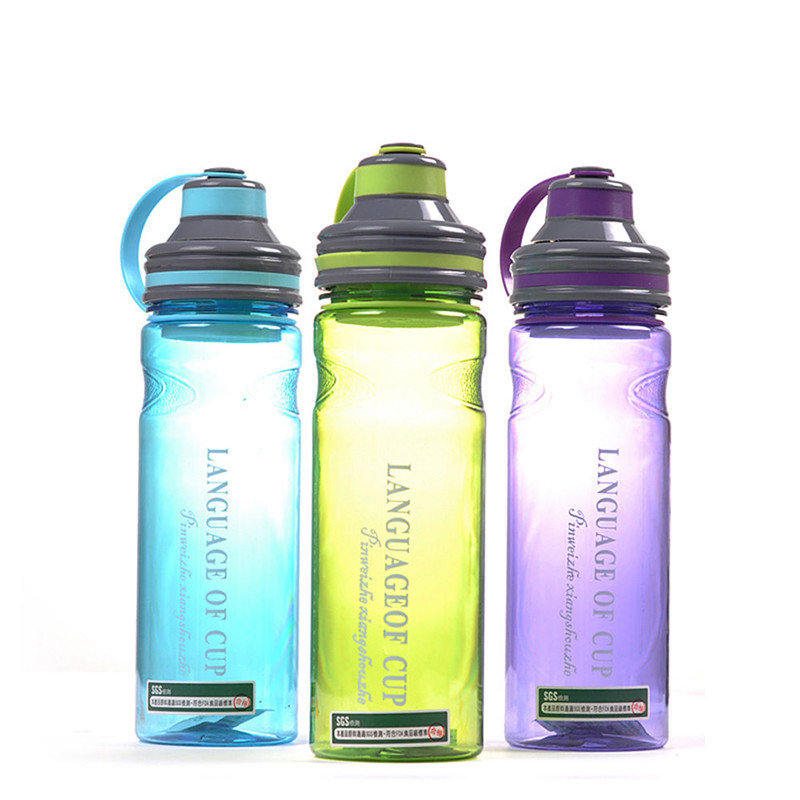 Popular Sports Space Water Bottle 600ml Plastic Bottle Fruit Shaker With Tea Infuser Filter