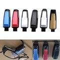Sujetador Auto Gafas de Coches Holder Vehículo Auto Visor Sunglass Gafas de Banco de Negocios de Entradas Card Holder Clip + Color Al Azar